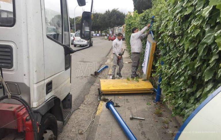 Fermate bus senza pensiline a Vibo, l'Ugl: «Il Comune le ripristini»