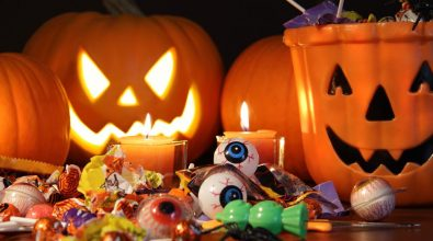 A Pannaconi vietato Halloween, bimbi e adulti si vestono da… santi