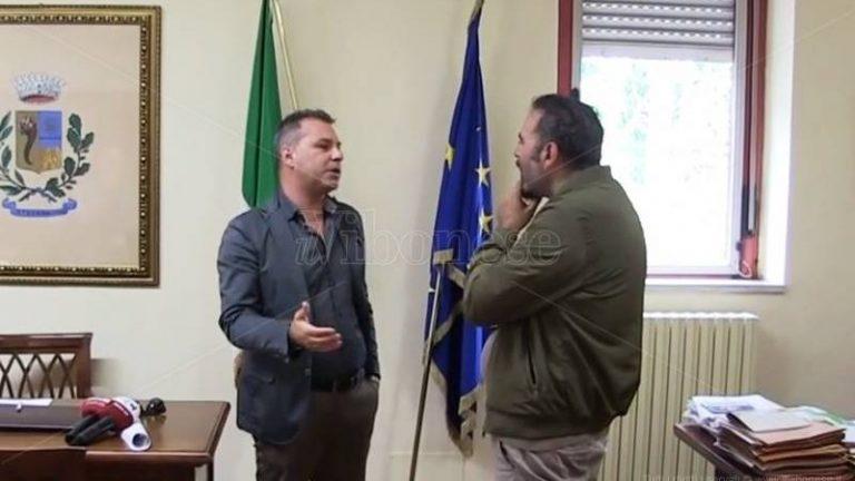 Viabilità, Solano replica a Maragò sulla Sp64: «Io penso al bello, lui alla discarica» – Video