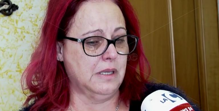 Il dolore di mamma Elsa: «Fatemi sapere dove avete gettato il corpo di mio figlio» – Video