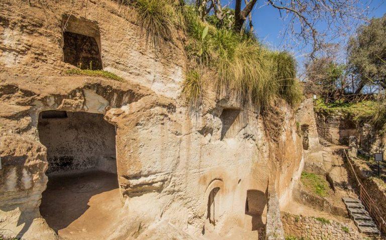 L'Arpacal porta le Grotte di Zungri alle Giornate di geologia a Roma