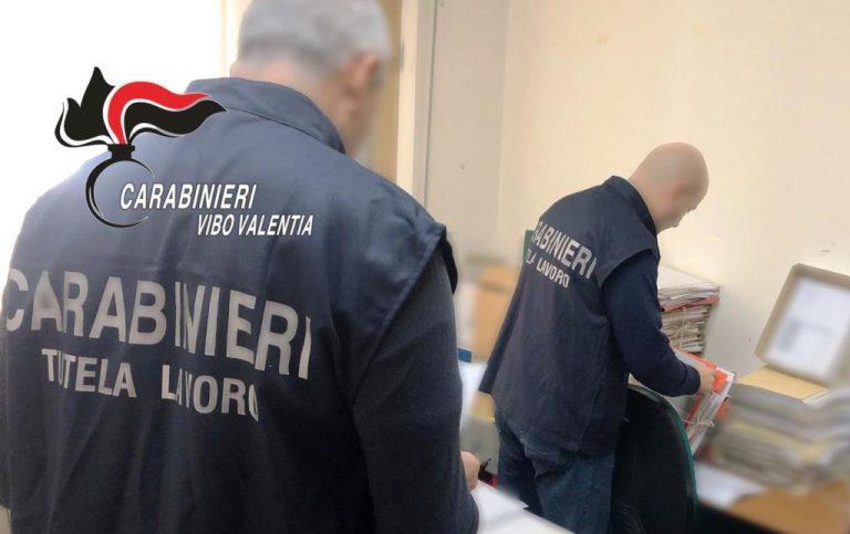Lavoravano in nero e col reddito di cittadinanza: scoperti dai carabinieri
