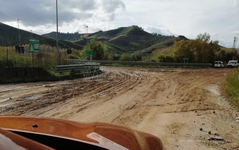 Fango allo svincolo di Mileto, il Comune impegna la Provincia sulla Sp10