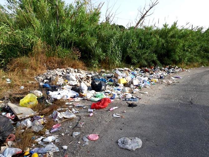Depurazione e strade invase dai rifiuti a Vibo, incontro fra Comune e Corap