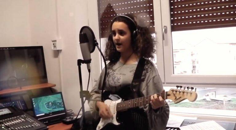 Gli auguri in musica della scuola Buccarelli di Vibo – Video