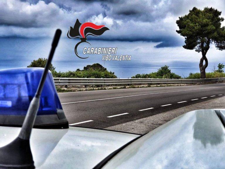 Tenta di buttarsi da un cavalcavia, carabinieri di Sant'Onofrio sventano suicidio