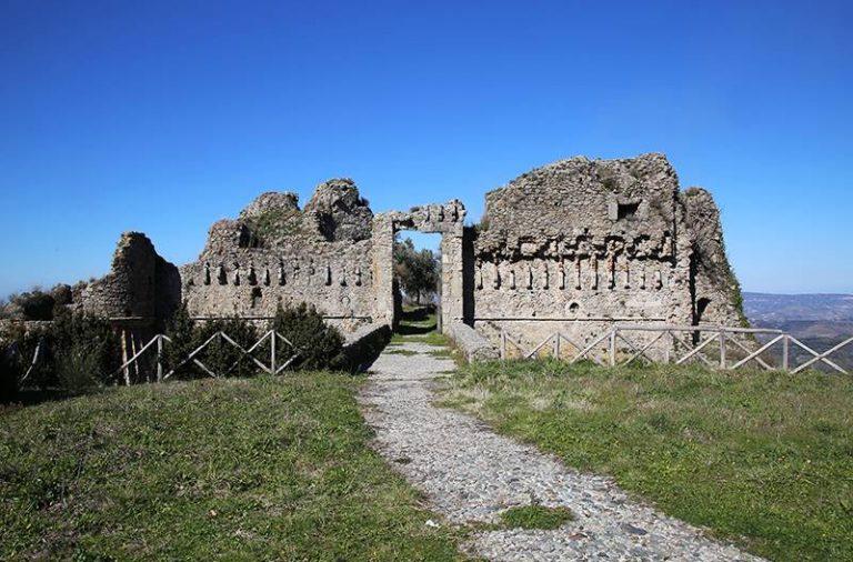 Castello di Arena, convenzione fra Comune, Soprintendenza e Università