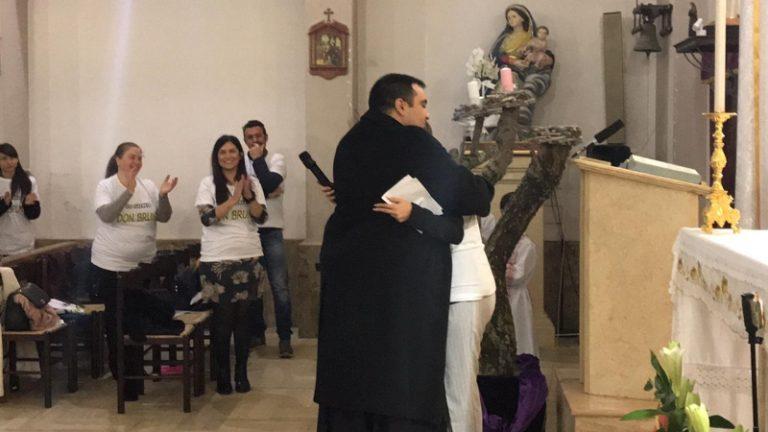 """Io sono don Bruno"", solidarietà al viceparroco di San Gregorio d'Ippona"