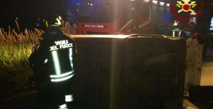 Incidente stradale a Sant'Onofrio, conducente trasportata in Pronto soccorso – Foto