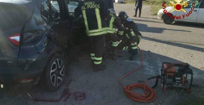Incidente sulla Provinciale 17, tre persone ferite – Foto/Video