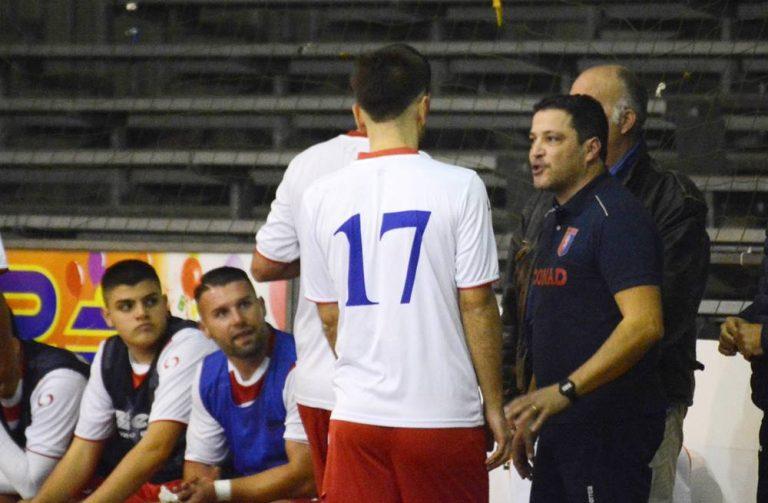 Vibo calcio a 5, si dimette l'allenatore Dario Maccarrone