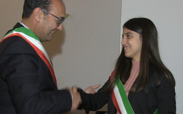 Mileto, si insedia il baby sindaco: «Lavoriamo per il bene del paese» – Video