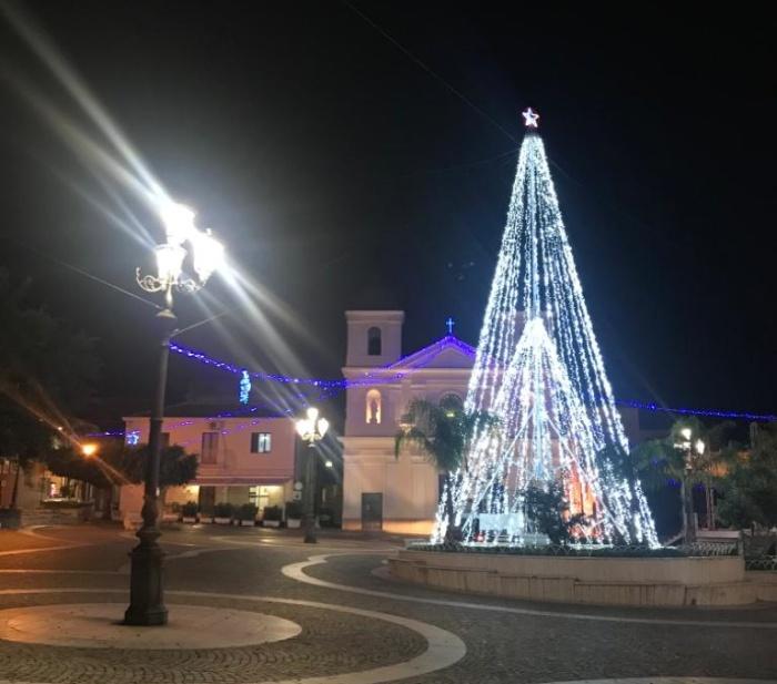 Natale a Briatico, eventi e impegno sociale per rivitalizzare il centro costiero