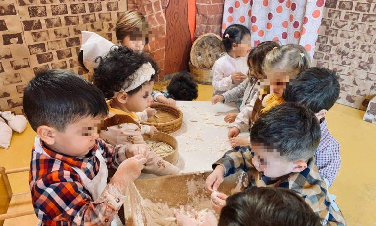 La magia del Natale nel presepe vivente dell'asilo nido di Vibo