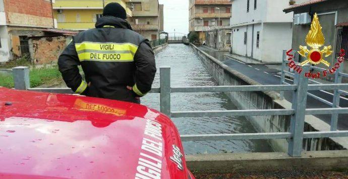 Vento forte nel Vibonese, oltre 30 interventi dei vigili del fuoco – Foto