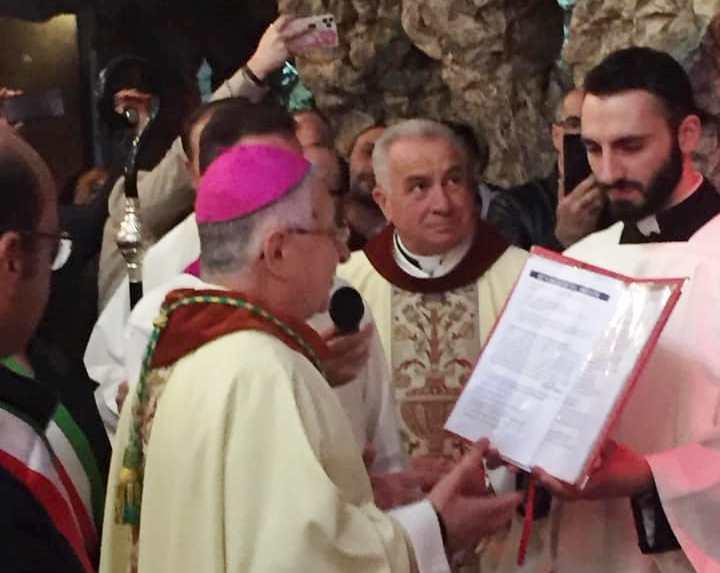 Intimidazioni ai parroci, il vescovo: «Segnali preoccupanti»