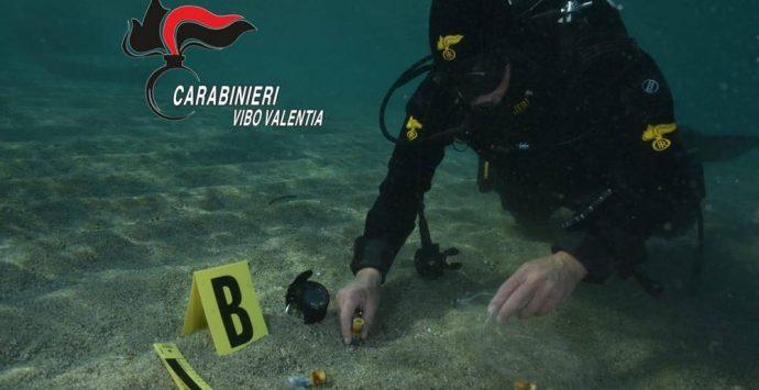Pistola e munizioni nascoste nel mare di Bivona – Foto