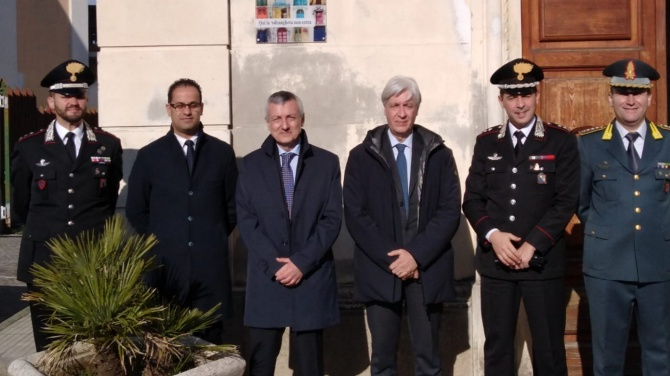 Cessaniti, il prefetto Zito ricolloca la targa contro la 'ndrangheta