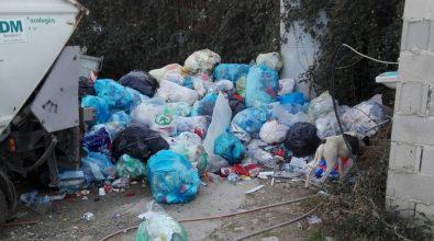 """Filandari, discarica a cielo aperto """"creata"""" dal Comune – Foto"""