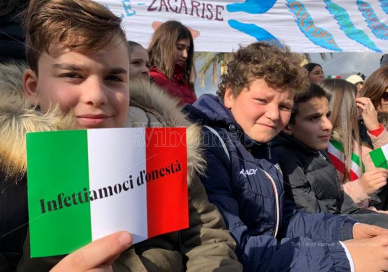 Tutti con Gratteri, rivedi la manifestazione di Catanzaro – Video