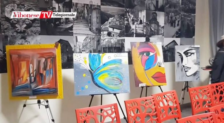 Monterosso, mostra al Comune per un Natale all'insegna dell'arte – Video