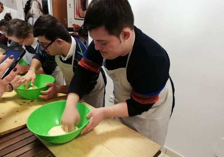 Filadelfia, il Club dei ragazzi a scuola di cucina
