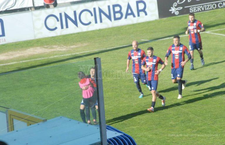 Vibonese, il ritorno al gol di Bubas e l'abbraccio con il piccolo Santiago – Video