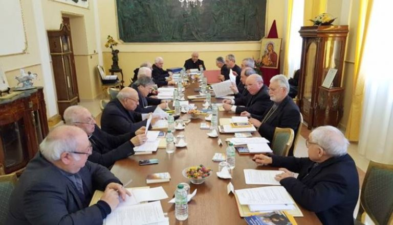 Coronavirus, i vescovi calabresi vietano le condoglianze e il segno della pace
