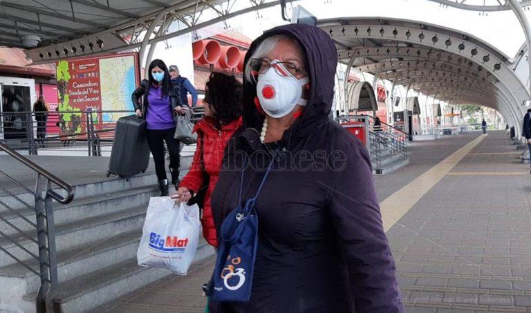 Coronavirus, la denuncia dei viaggiatori: «A Milano e Lamezia zero controlli» – Video
