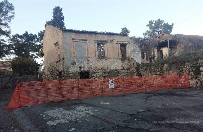 Mileto, si lavora per salvare il palazzo simbolo dell'antisismica dei Borboni