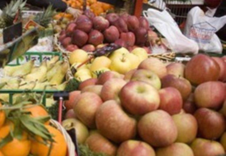 Occupazione abusiva al mercato di Vibo, fruttivendolo sanzionato
