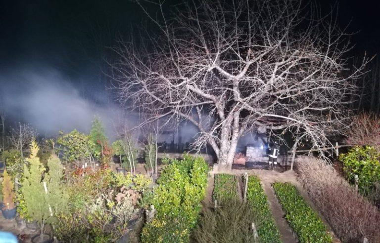 In fiamme a Mongiana casetta in uso a Calabria Verde