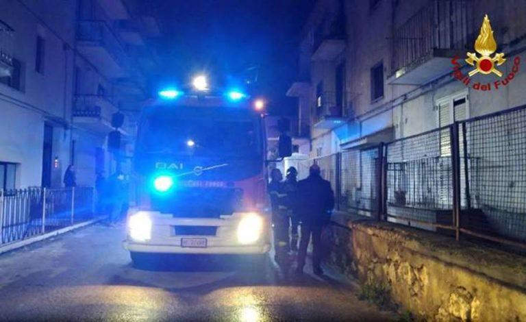 Paura a Nicotera, edificio sgomberato a causa di un incendio