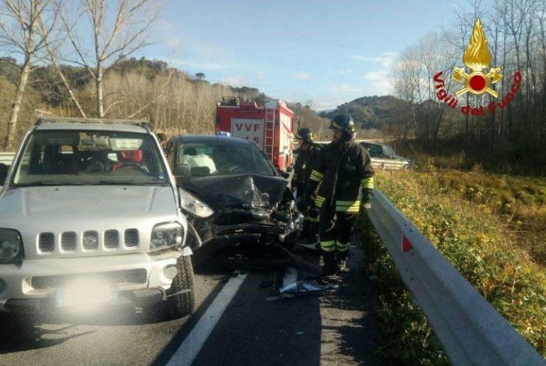 Incidente sulla Trasversale delle Serre, coinvolte due auto
