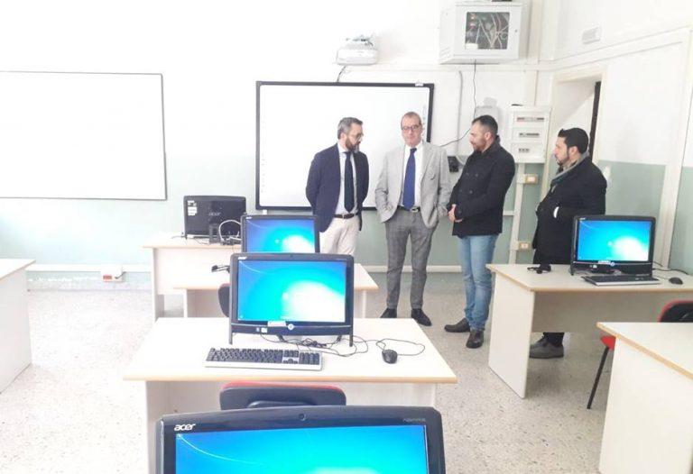 Nuovo laboratorio informatico per il liceo Machiavelli di Soriano