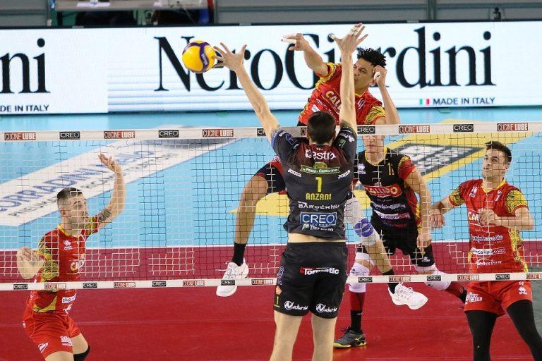Volley, la Tonno Callipo si arrende allo strapotere di Lube Civitanova – Video