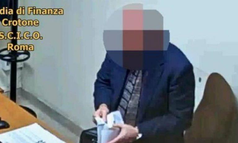 Il giudice Petrini collabora con i pm: altre toghe sporche a Catanzaro? – Video