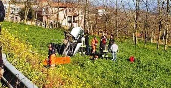 Incidente lungo la strada per Tropea: due feriti gravi – Video/Foto