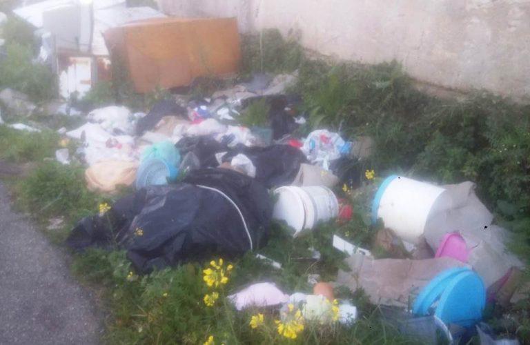 Rifiuti a Mileto, Caserta: «Si rischia l'emergenza ambientale»