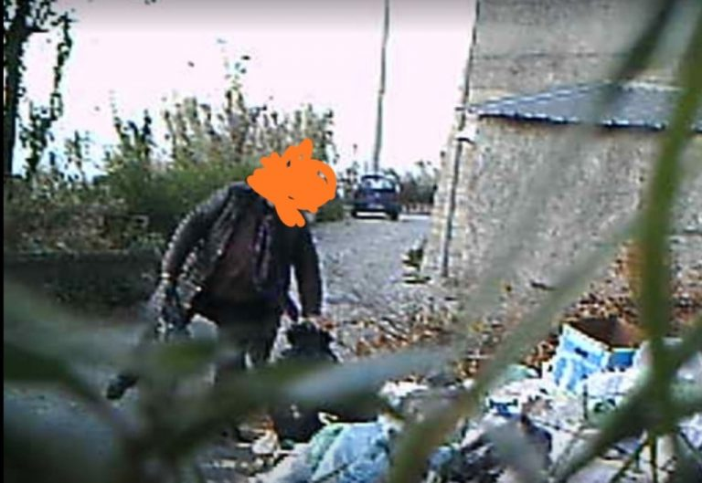 """Nicotera, """"beccato"""" mentre abbandona rifiuti: multa da 600 euro"""