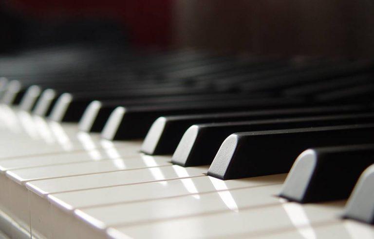 Musica classica, a Vibo il recital del grande pianista Paolo Restani