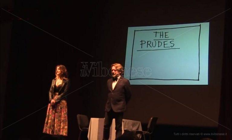 """""""The prudes"""", a Vibo la commedia sui luoghi comuni del sesso – Video"""