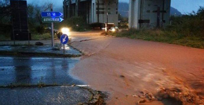 Fango, acqua e detriti sulle strade di diversi centri del Vibonese – Video/Foto