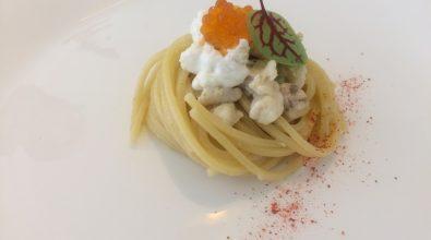 """""""Allacciate i grembiuli"""", seconda ricetta: spaghetti orata e burrata"""