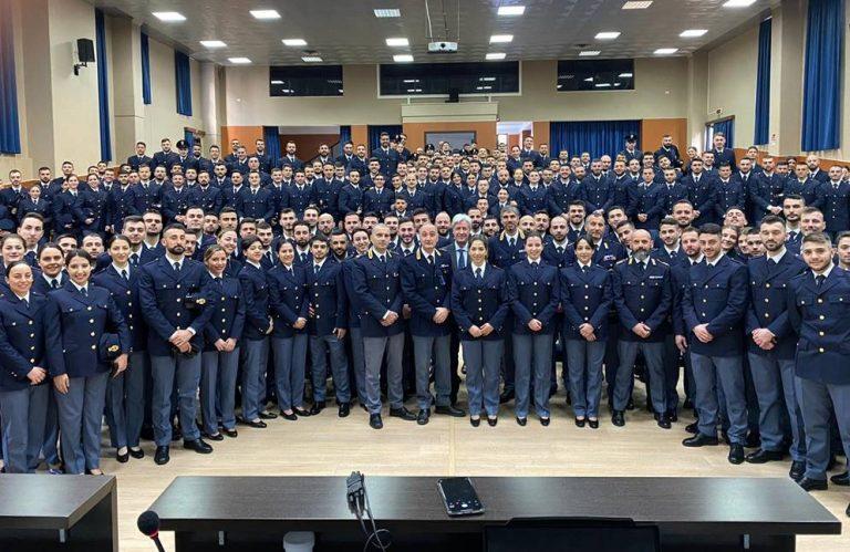 Polizia di Stato, dalla scuola di Vibo escono 225 nuovi agenti