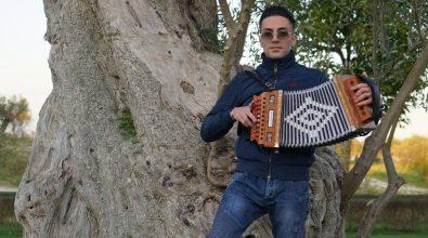 """""""Calabria non m'abbandunari"""", ecco il nuovo singolo del cantautore Antonio Cocciolo – Video"""