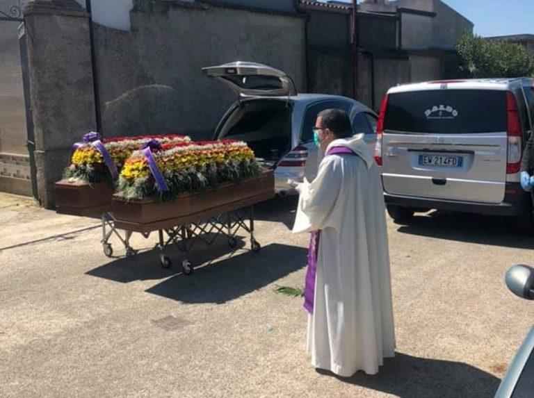 Uccisi in Sardegna, i fratelli Mirabello trovano pace a San Gregorio
