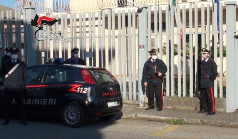 Parrucchiere aperto a Stefanaconi, sanzioni anche per due clienti