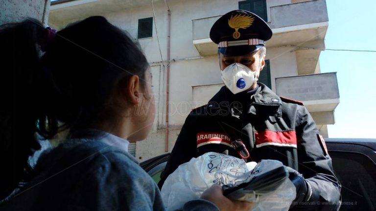 Vibo, i carabinieri consegnano i tablet per la didattica a distanza – Foto/Video