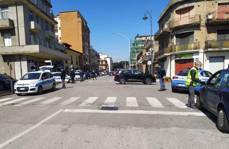 """Vibo """"blindata"""" per Pasqua, le forze dell'ordine presidiano i principali incroci – Foto"""